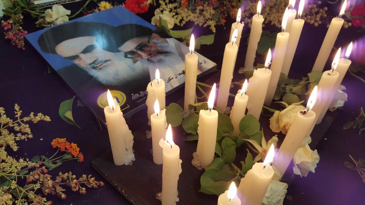 زاوية تعبيرية في مركز الإمداد للتربية المختصة إحياءً لذكرى رحيل الإمام الخميني (ره)